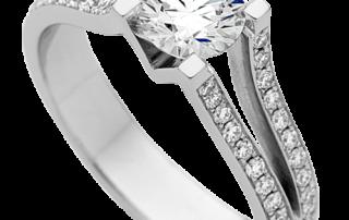Anillo de compromiso con piedra diamante