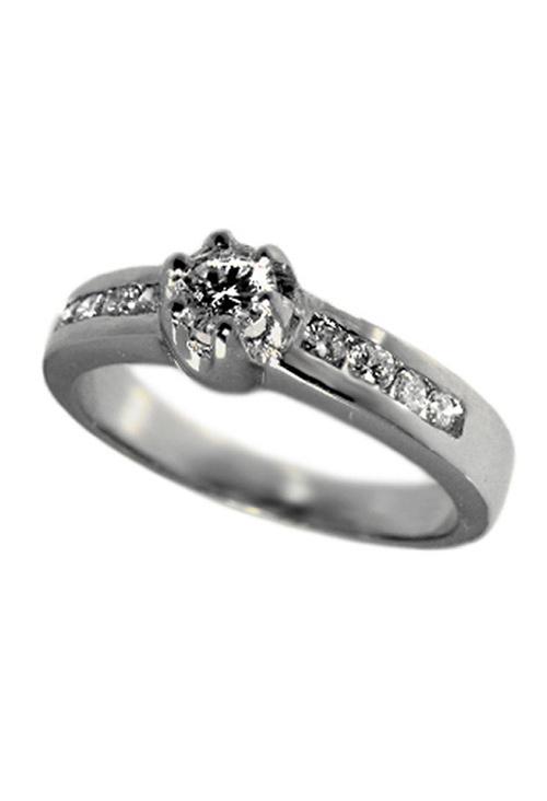 e4823aa5b3db Anillo de compromiso oro blanco con diamantes